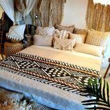 Fair & Fine | Bedloper Tribal lengte 220 cm x breedte 50 cm wit, bruin, zwart bedspreien katoen beddengoed bed & bad | NADUVI outlet